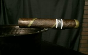 Cigar Review – CroMagnon Black Irish