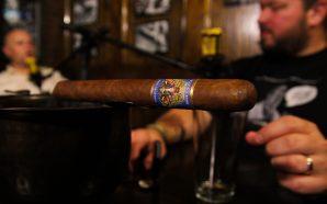 Episode 35 – Everybody Wants Some! / El Gueguense cigar…