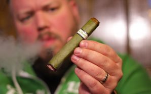 Episode 90 – Leprechaun Returns (2018) / Wasabi cigar /…
